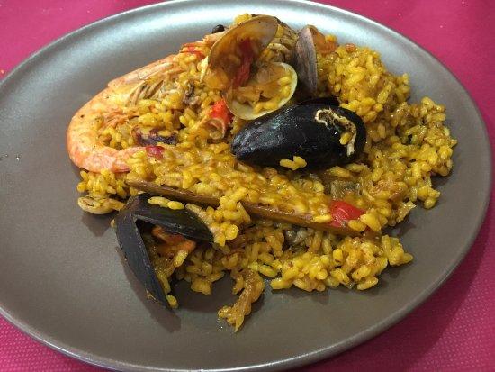 El Poble Nou Del Delta, Spanje: Recomendable 100% !!!!  Paella hecha en horno de leña.  Estaba exquisita!!!  Mejor paella de la