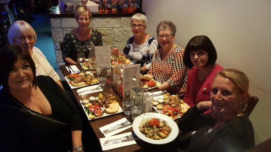 Costas Taverna Greek Restaurant and Ouzo Bar: Dining at Costas