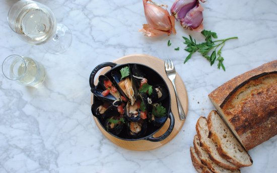 Paradise Valley, AZ: Hearth '61 - Baked Mussels