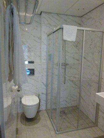 Bano en marmol picture of hotel2stay amsterdam - Banos de marmol ...