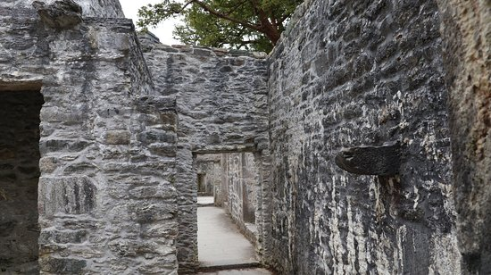 Muckross Abbey also contains a cemetary in use today. It is just a 5 minute walk from the Muckro