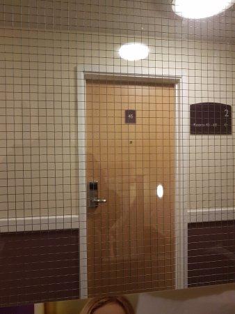 Premier Inn Blackpool (Bispham) Hotel : Through the looking glass...