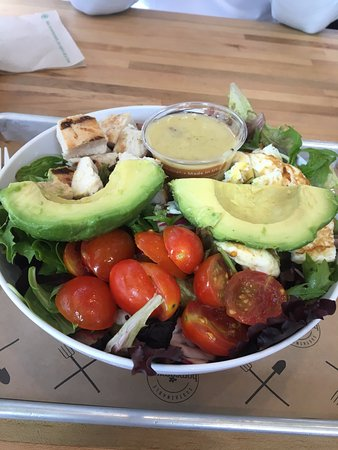 Kirkland, WA: Chicken Cobb Salad