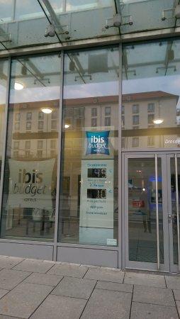 Ibis Budget Dresden City: Eingang Hotel