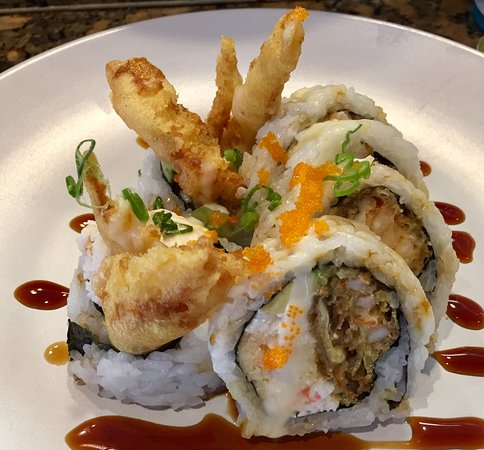 Castaic, CA: Yummy Big Crunchy spicy spider roll