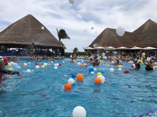 Heaven Pool Water Balloon Fight Picture Of Hard Rock Hotel Riviera Maya Puerto Aventuras