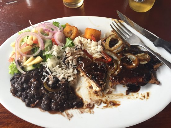 Playa Junquillal, Costa Rica : Amazing food and owners at Lochito's