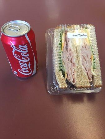Terrace, Kanada: Ham and Cheddar Sandwich