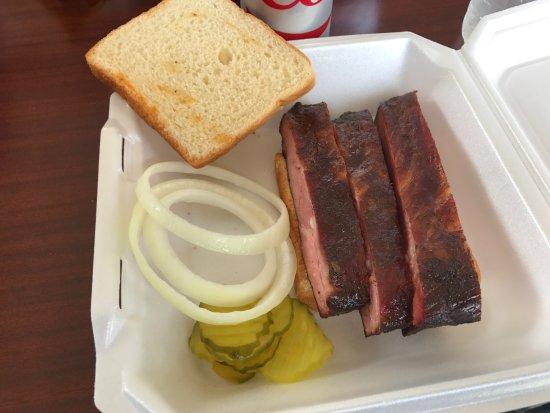 San Angelo, TX: Ribs sandwich