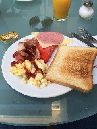 Acropolis Hill Hotel: Buffet Breakfast