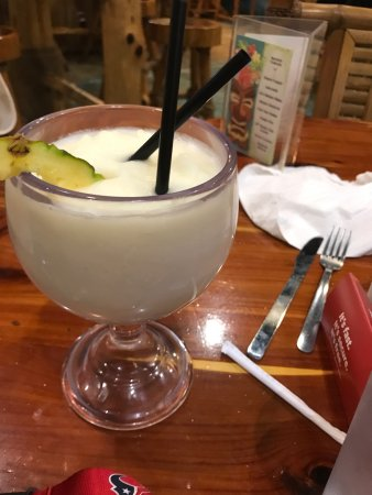 Galveston Island, TX: Food was excellent drinks were cold and staff was very entertaining