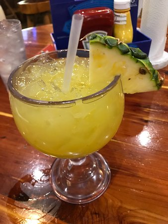 Galveston Island, Teksas: Food was excellent drinks were cold and staff was very entertaining