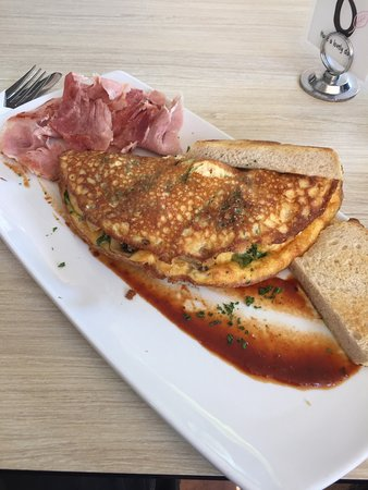Torquay, Australie : Guter Saft aus der Wassermelone & solides Frühstück