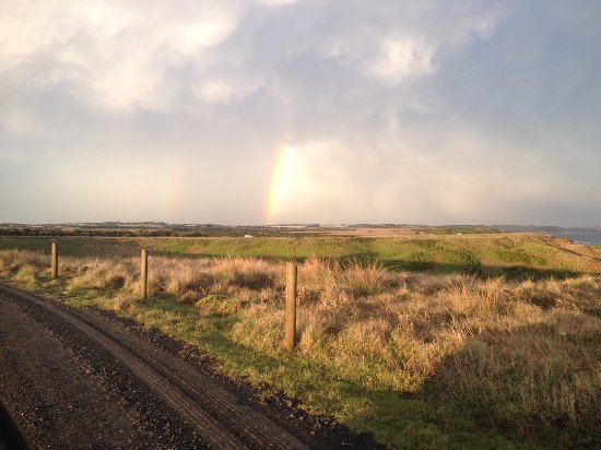 Cowes, Australia: Summerland Peninsula Rainbow - part of the nightly penguin tour