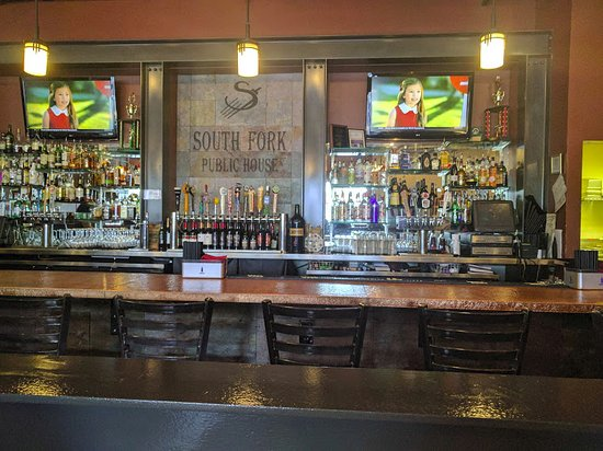 South Fork Public House, good place to relax
