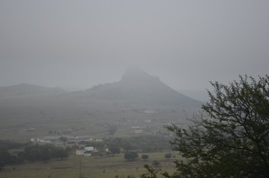 Isandlwana, Sudáfrica: A haunting mist clung over the battlefield on our first morning.