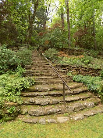 Newnan, GA: Garden steps using old railroad track as a bannister.