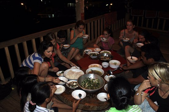 Daauw Home: Excellent food in great company