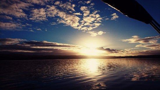 Knysna Houseboats - Day Charters: Sunrise - Lake Belvidere