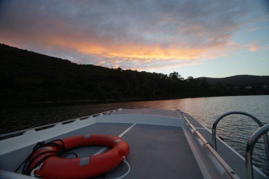 Knysna Houseboats - Day Charters: Sunset - Lake Belvidere