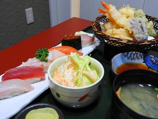 Rumoi, Japan: 丸喜寿司