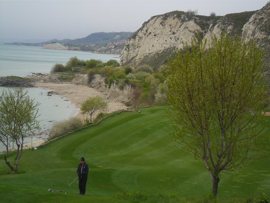 Kavarna, Bulgaria: golf