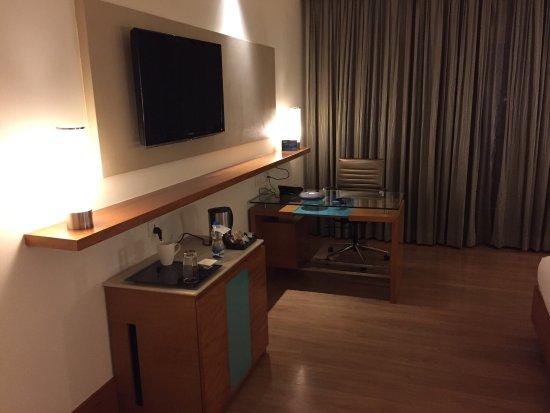 Radisson Blu Hotel Chennai City Centre: photo1.jpg