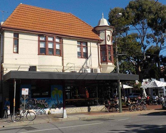 Elwood, Australia: From Glenhuntly Road side