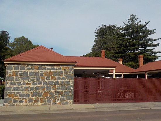 Altona, Austrália: Historic Homestead from Queen Street