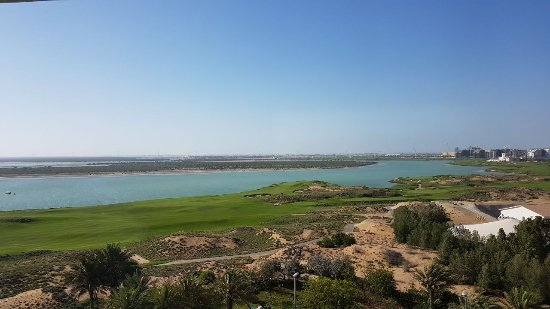 Park Inn by Radisson Abu Dhabi Yas Island: IMG-20170422-WA0013_large.jpg