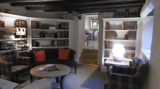 Shipton under Wychwood, UK: Bibliothek / Leseraum