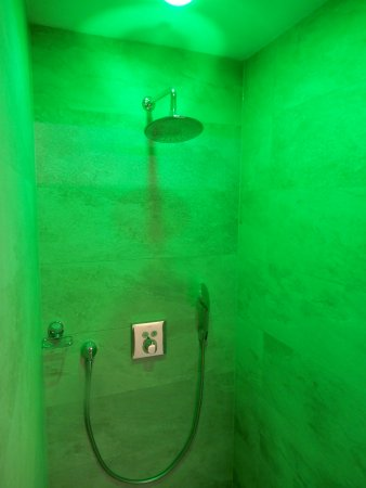 Seget Vranjica, Croacia: Wellness-shower