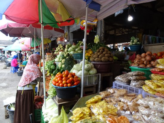 Bedugul, Indonesia: Fruit and veg aplenty