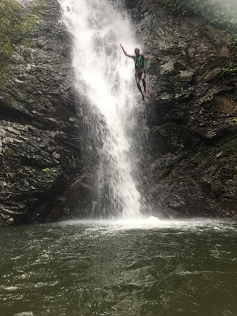 Adventures in Paradise Fiji: Jumping off the falls
