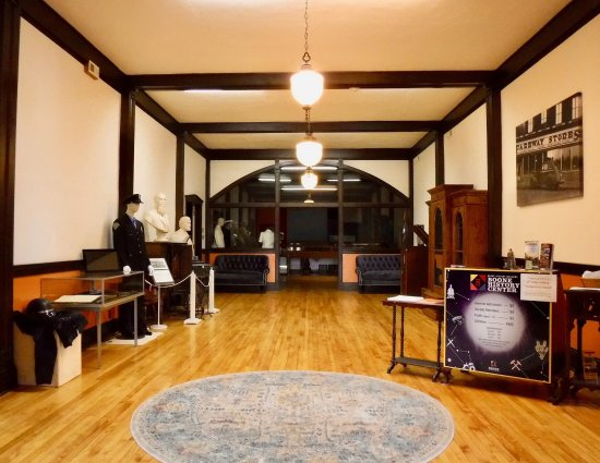 Boone, IA: Main floor gallery