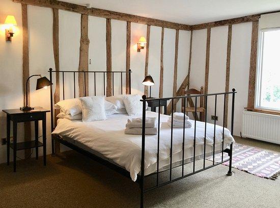 Partridge Lodge: Farmhouse queen size