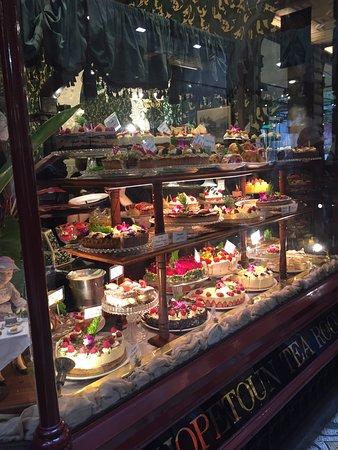 Block Arcade: Tea rooms