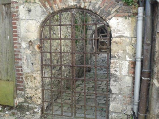 Greniers sel de honfleur historic site rue de la for Laporte jail