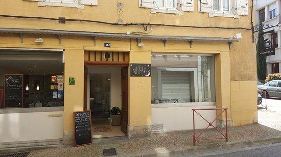 Devanture restaurant au 4 rue des Salenques à FOIX (Ariège)