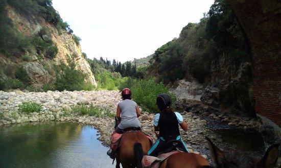 Pollina, Italia: on the way to Tiberiu's Gorges