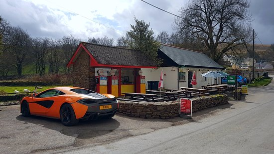 Withypool, UK: Attracting some beautiful cars too