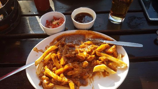Kloof, South Africa: chicken curry and chips