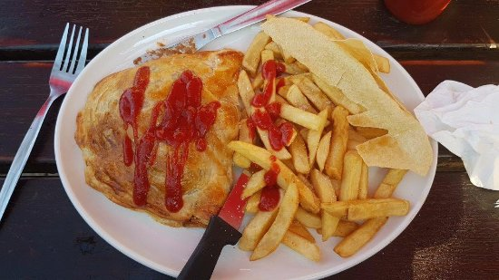Kloof, South Africa: beef and Guinness pie and chips