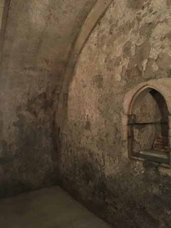 Winchelsea, UK: A medieval cupboard in an ancient wine store