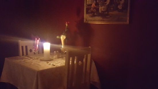 Stilbaai, South Africa: .....  love the atmosphere with candles, red rose, decent tablecloth, classical music and hearty