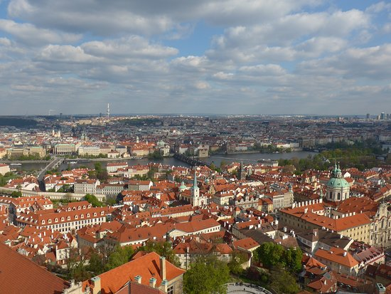 Veitsdom (Chram svatého Víta): View of old town from South Tower