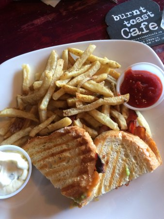 Burnt Toast Cafe: grilled cheese with truffle fries