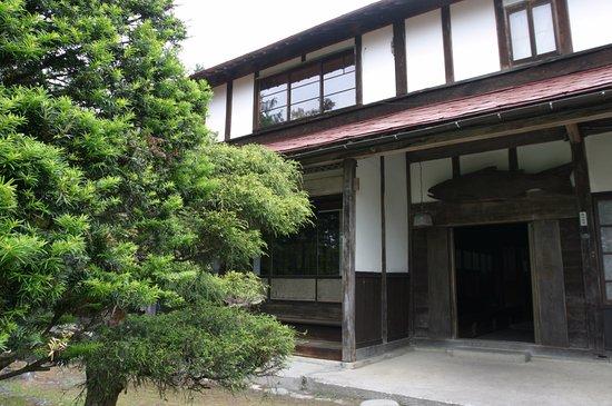 Memuro-cho, Japón: 大正時代に建てられた住宅をそのまま利用しています。玄関も住宅時代のままです。