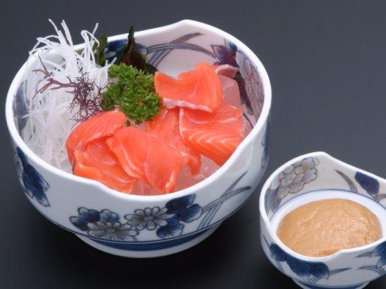 Memuro-cho, Japón: にじますあらい(630円)湯通しした刺身を冷水でキュッと締めました。
