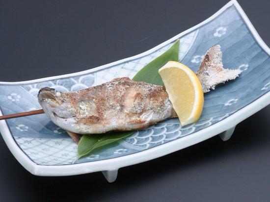 Memuro-cho, Japón: 塩焼き(580円)川魚料理の王道。皮はパリっと、身はふっくらと。